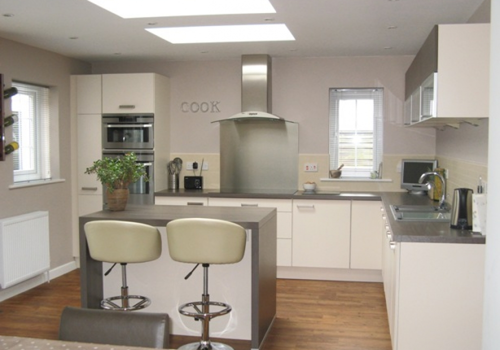 Kitchen Design Yeovil clean and modern - real customer kitchens from in-toto kitchens yeovil