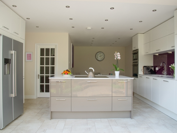 in-toto Wokingham Named Finalists in the Designer Kitchen & Bathroom Awards