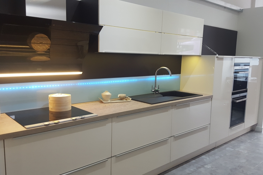glasgow kitchens - glasgow fitted kitchens - in-toto kitchen showroom