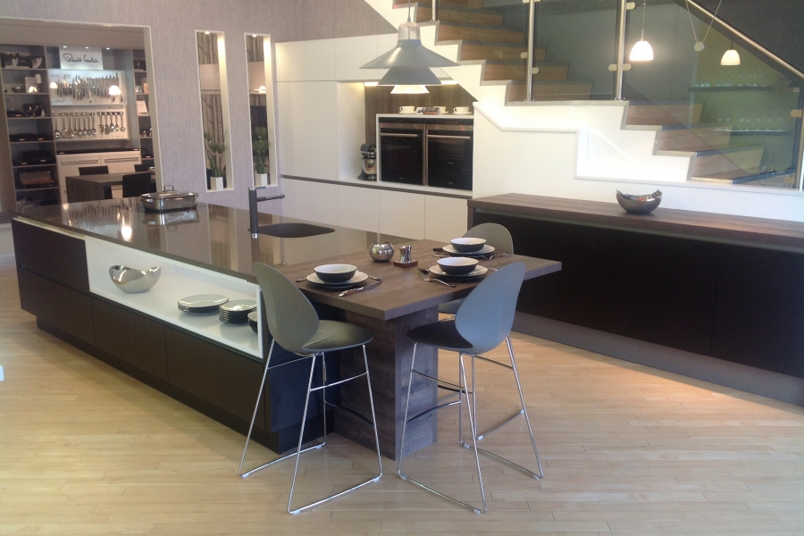 Exeter kitchens exeter fitted kitchens in toto kitchen for Kitchen design exeter
